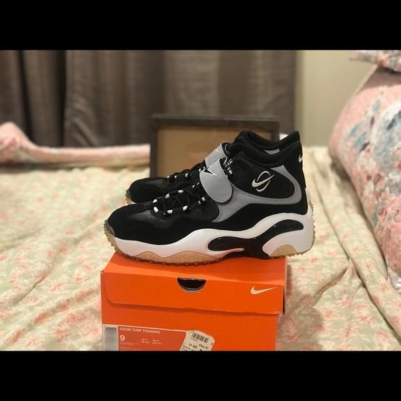 7017523211 Nike Shoes   Ds Zoom Turf Training 96 Barry Sanders Retro   Poshmark